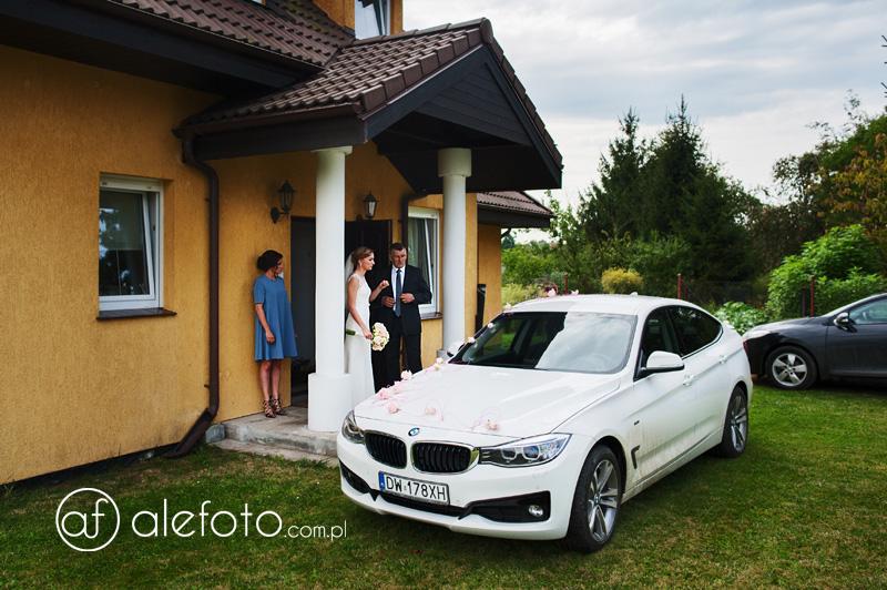 samochodem na ślub