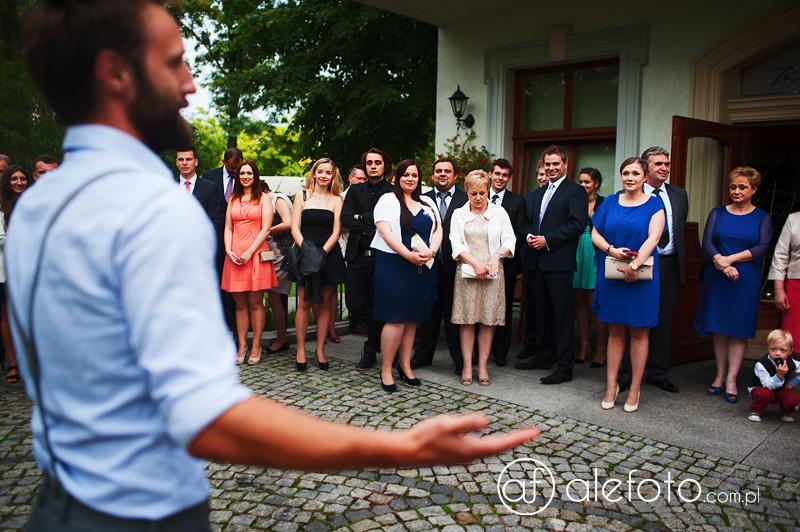 zdjęcia ślubne w reporterskim stylu