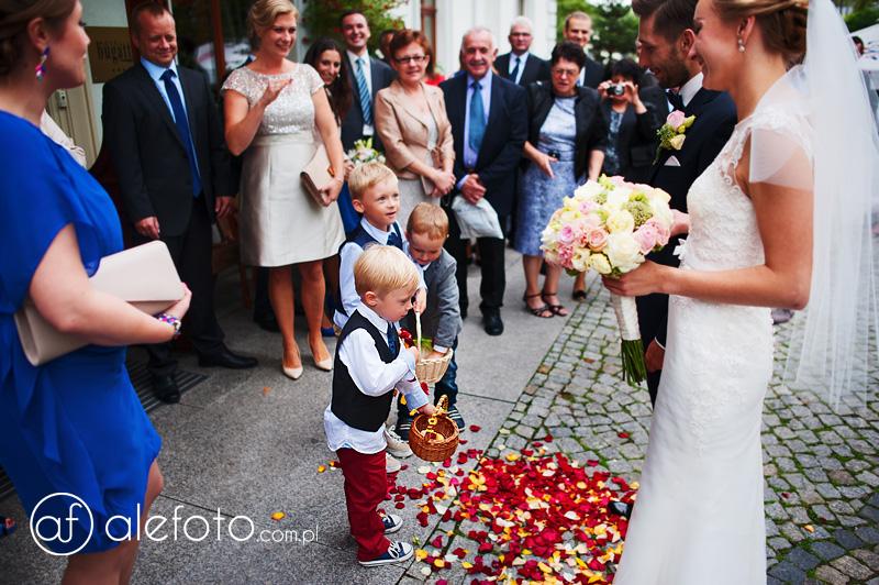 dzieciaczki na weselu
