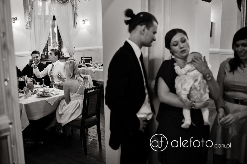 goście na weselu zdjęcia