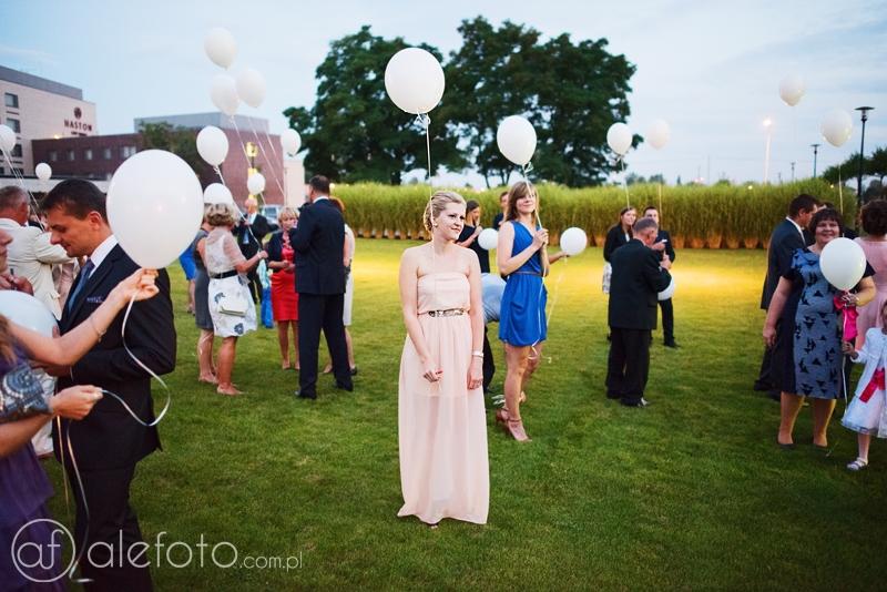 puszczamy balony na weselu