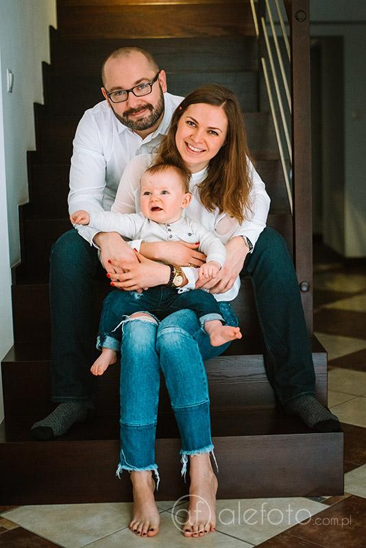 rodzina w domu zdjęcia